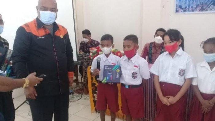 Ini Daftar Sekolah Penerima Bantuan HP Andorid Dari Pemkot Kupang