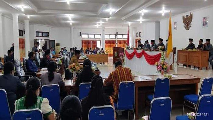 Enam Fraksi DPRD Sumba Barat Terima Nota Pengantar Pertanggungjawaban APBD 2020