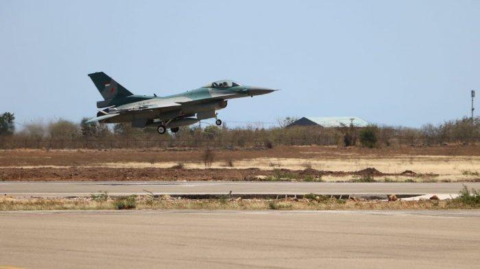 Dua Pesawat Tempur F16 TNI AU Patroli di Perbatasan Australia dan Timor Leste
