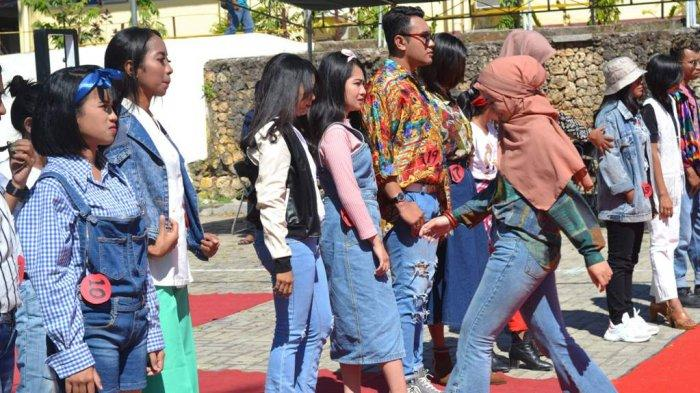 Belajar Tentang Even Organizer, Mahasiwa PNK Gelar Festival Era 90-an