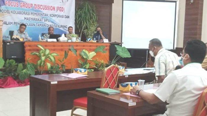 Focus Group Discussion Agenda Setting Kebijakan Pengelolaan Taman Kota Kupang