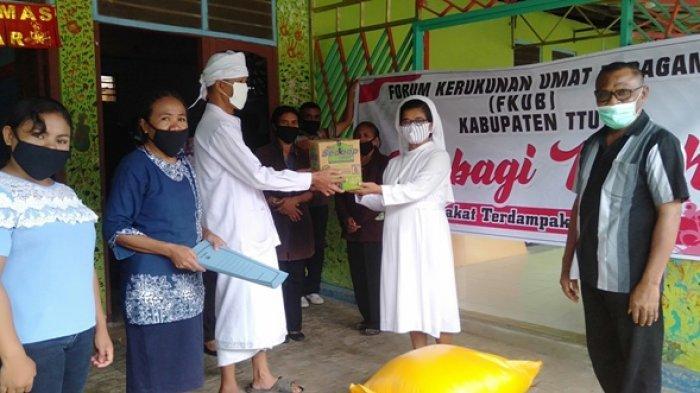FKUB TTU Salurkan Bantuan Sembako dan Masker Kepada Kelompok Terdampak Covid-19