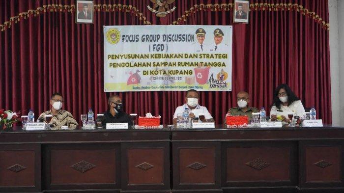 Pemkot Kupang Gelar Focus Group Discussion Strategi Pengolahan Sampah Rumah Tangga