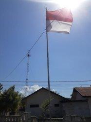 Kesadaran Naikkan Bendera Merah Putih Menurun, Camat Alok Turun Tangan