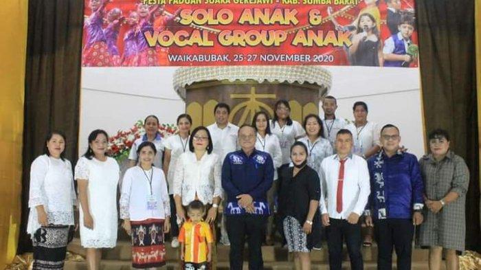 Pjs Bupati Pakereng Buka Lomba Pesta Paduan Suara Gerejawi di Sumba Barat