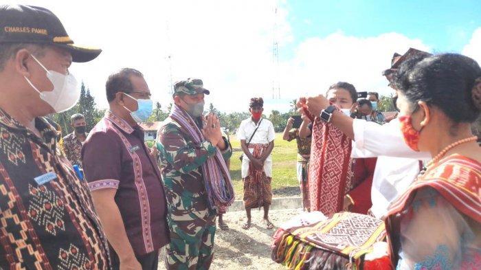 Brigjen Francis Wewengkang Kunjungi Lokasi TMMD di Nekamese Kabupaten Kupang