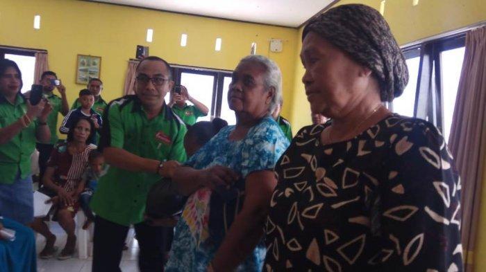 Ini Yang Dilakukan GBI Tunas Daud Kepada  Para Janda, Duda dan Anak Yatim di Kelurahan Oesapa
