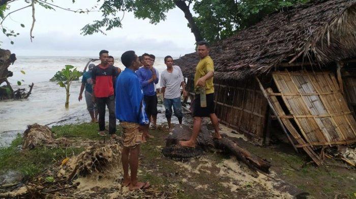 Gelombang Pasang Terjang Pantura Manggarai Timur, Rumah Warga di 2 RT di Nampar Sepang Rusak