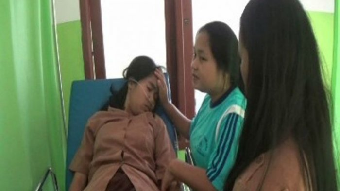 Panik Karena Gempa 4.7 SR Mamasa Sulawesi Barat, Belasan Siswi SMA Negeri 1 Mamasa Pingsan