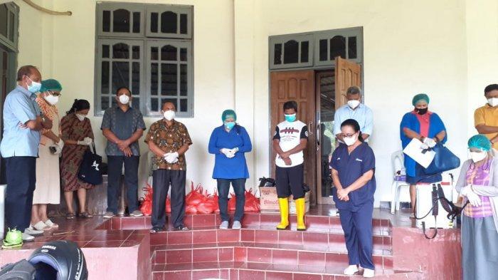 Solidaritas Kemanusiaan, Gmit Maranatha Oebufu Kunjung dan Berdoa Bagi Pasien Isoman Covid-19