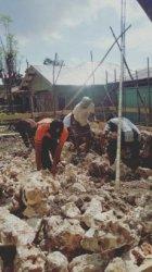 Ini Yang Dilakukan Polisi Stanislaus Saat Menyambangi Desa Binaan