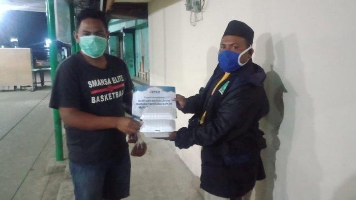 800 Paket Sahur dan Berbuka Puasa Dari GP Ansor NTT Bagi Warga Terdampak Badai Seroja
