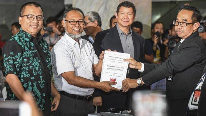 Kata Pakar, 51 Bukti yang Dibawa Tim Hukum Prabowo-Sandiaga ke MK Sangat Sedikit