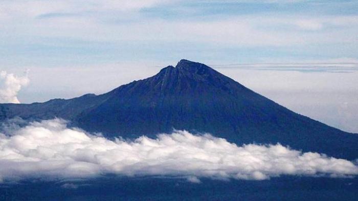 Cerita Viral Perempuan Pendaki Gunung Rinjani Disetubuhi Saat Hipotermia, Benarkah?