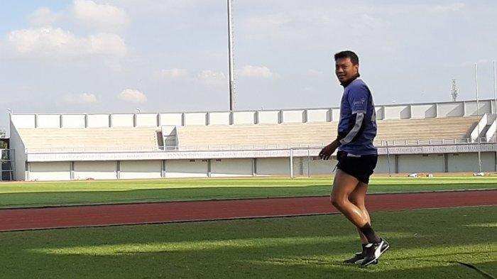 Bek anyar Persita Tangerang Hamka Hamzah langsung mengikuti latihan perdananya bersama tim di Stadion Sport Center, Tangerang, Selasa (14/1/2020).