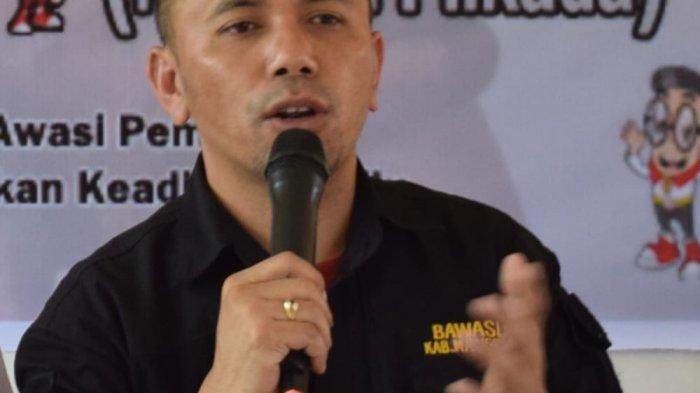 Dua Bapaslon di Manggarai Sosialisasi Kumpul Massa, Patuhi Protokol Covid-19 Tapi Belum Jaga Jarak