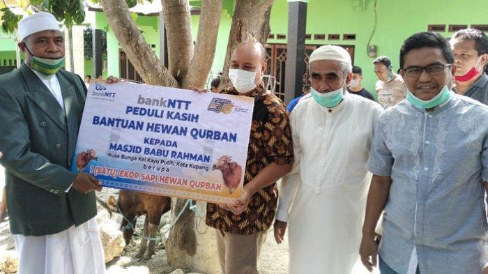 Idul Adha 1441 Hijriah, Bank NTT Sumbang Hewan Kurban di Masjid Baburrahman Kota Kupang