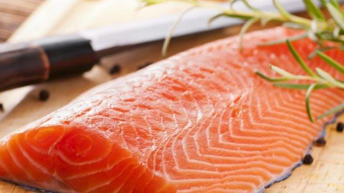Makanan Yang Bisa Membantu Penderita Stroke, Mulai dari Ikan Salmon Hingga Delima