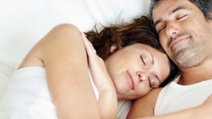 Tujuh Manfaat Bila Anda Tidur Telanjang, Yuk Kepoin!