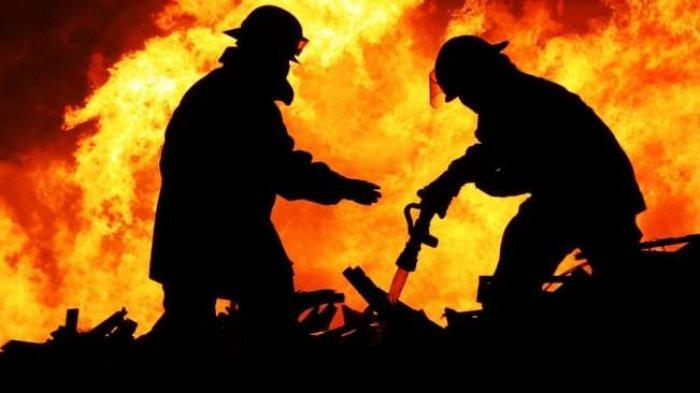 NAAS dan Tragis, Kakek Ini Tewas Terpanggang di Tumpukan Sampah yang Dibakarnya di Halaman Rumahnya