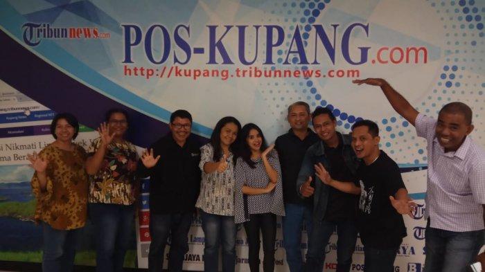 Kontestan Rising Star Indonesia asal Kupang Inggid Wakano Berkunjung ke Redaksi Pos Kupang