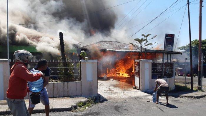 Ini Kronologi dan Keterangan Saksi Kebakaran 4 Rumah dan Mobil di Pitak, Manggarai