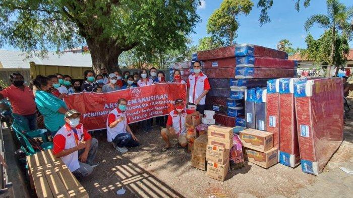 INTI NTT Serahkan Bantuan Kasur untuk Korban Seroja di Kelurahan Oebufu Kota Kupang