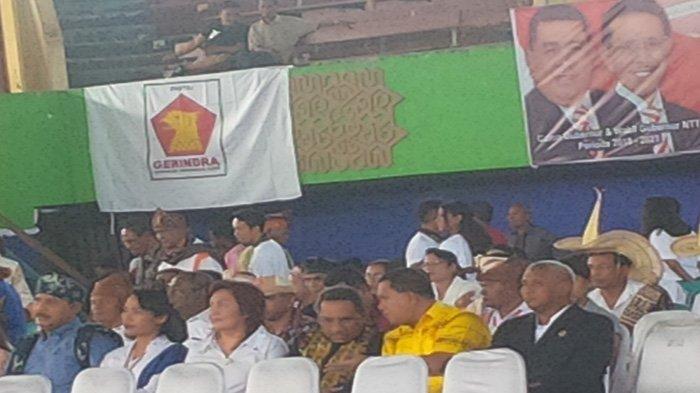 Jacki Uly dan Laka Lena Hadiri Deklarasi Esthon-Chris di GOR Oepoi