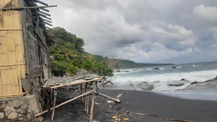 Gelombang Tinggi di Pantai Selatan Bola Warga Desa Ipir Mengaku Hidup Tidak Tenang