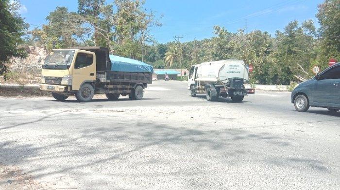 Jalan di Perempatan Jalur 40 Manulai Kota Kupang Rawan Kecelakaan