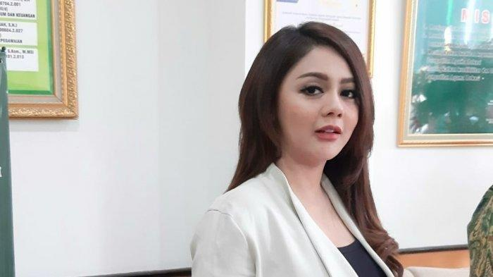 Jenita Janet kini Langsung Punya Kekasih Baru, Tak Ingin Terlalu Lama Terpuruk Pascabercerai