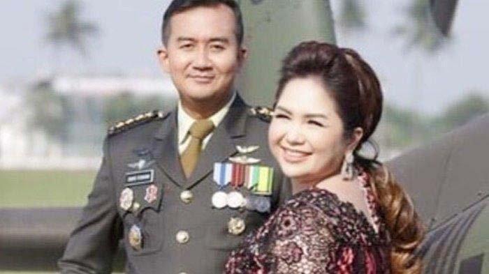 Joy Tobing resmi melepas status jandanya dengan menikahi Cahyo Permono