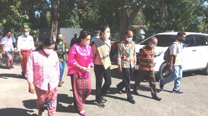 Ketua Dekranasda NTT Julie Laiskodat Kunjungi Kabupaten Belu