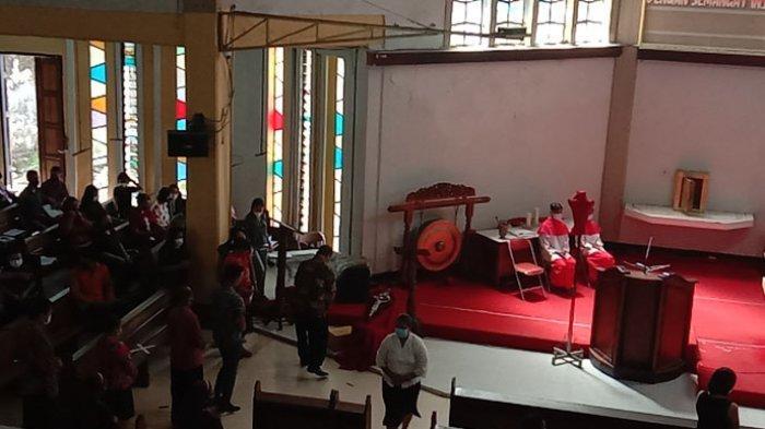 Jumat Agung, Umat Paroki Katedral Kristus Raja Kupang Tidak Kecup Salib