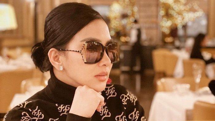 Tak Sekedar Gaya, Syahrini Ternyata Mengidap Penyakit yang Mengharuskan Pakai Kacamata Hitam
