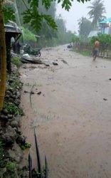 Kades Satar Punda Barat Bilang Lumpur Masuk ke Rumah Warga