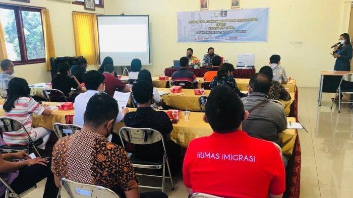 Deteksi Orang Asing, Kantor Imigrasi Kelas II TPI Maumere Sosialisasi APOA