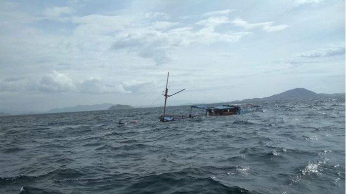 WASPADA ! Gelombang hingga Tujuh Meter di Perairan NTT