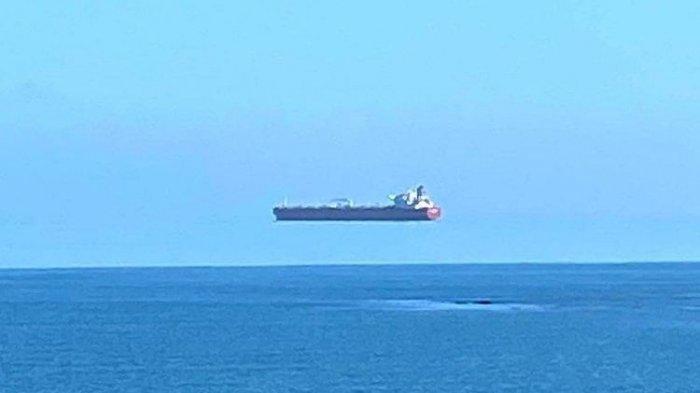 Kapal Melayang di Atas Laut Ini Bukanlah  Foto Rekayasa, Ini  Ada Penjelasan Ilmiahnya, Simak Info