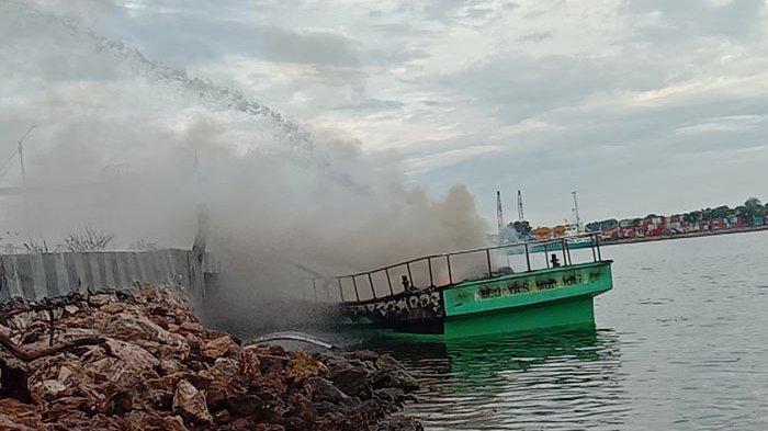 Kapal Milik BumDes di Sumba Timur Ludes Terbakar