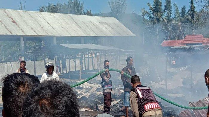 Kapolsek Golewa Sebut 10 Unit Warung Milik Warga di Pasar Malanuza Ludes Terbakar