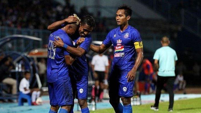 Penuhi Undangan Gibran, Arema FC Potensi Bentrok dengan Persib Bandung di Piala Wali Kota Solo 2021