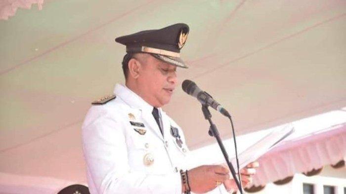Bupati Sikka Robby Idong Minta Tenaga KesehatanNakes Tetap Semangat