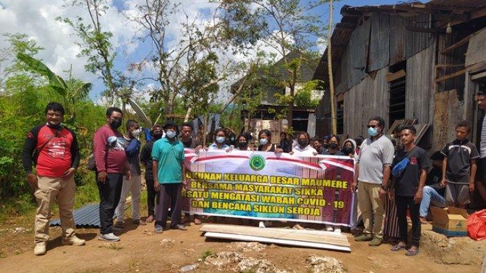 Keluarga Besar Maumere Jaya  Bantu Warga Kota Kupang asal Maumere Terdampak Bencana Seroja