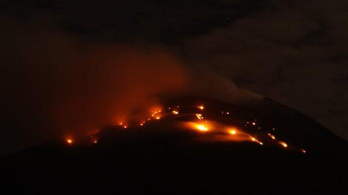 Kebakaran Lereng Gunung Ile Lewotolok Akibat Lontaran Lava Pijar Semakin Mengkhawatirkan