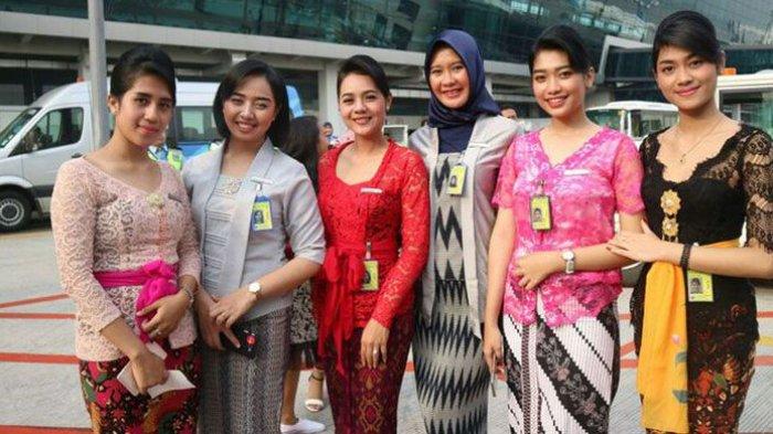 Merajut Nusantara Pameran Kebaya dari Aceh Hingga Papua