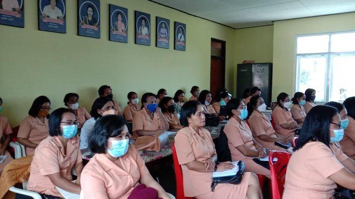 Tingkatkan Peran Perempuan, DWP Rapat Perdana Dengan Ketua TP-PKK Kabupaten Manggarai