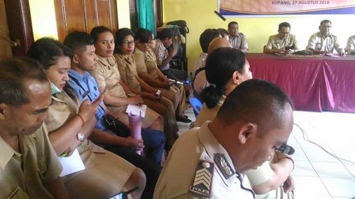 Warga dan Aparat Pemerintah di Bantaran Kali Liliba Kelurahan TDM Kupang Ikut Sosialisasi