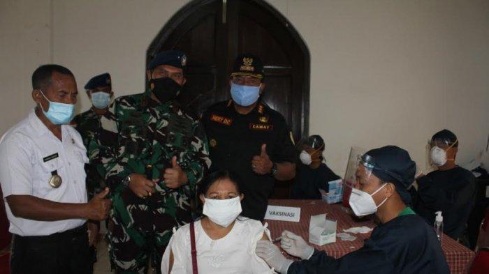 200 Warga Sungkaen Naimata Kota Kupang Dapat Vaksin Dari RS TNI AU El Tari Kupang