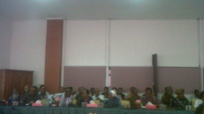 Sengketa Masalah Tanah, Warga Nasipanaf Datangi DPRD NTT